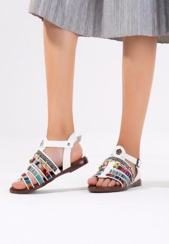Beyaz Boncuklu Desenli Bayan Sandalet Ayakkabı
