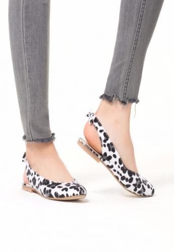 Beyaz Leopar Desenli Süet Bayan Babet Ayakkabı