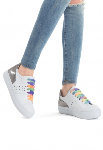 Beyaz Renk Gümüş Rugan Bayan Spor Ayakkabı