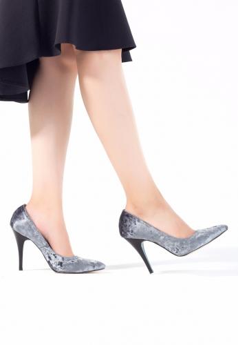 Gri Kadife Bayan Stiletto Ayakkabı