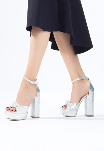 Gümüş Bilekten Bağlamalı Bayan Platform Topuk Ayakkabı
