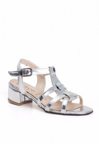 Gümüş Bilekten Kemerli Bayan Küt Topuk Ayakkabı