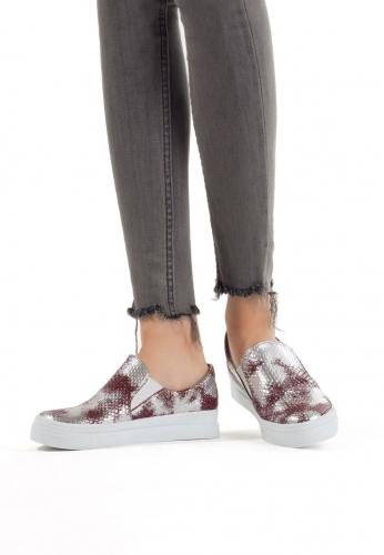 Kırmızı Renkli Bayan Spor Babet Ayakkabı