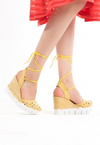 Sarı Kot Bilekten Bağlamalı Bayan Dolgu Topuk Ayakkabı
