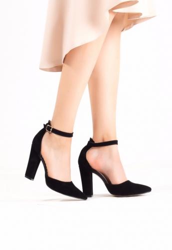 Siyah Bayan Süet Bilekten Kemerli Topuklu Ayakkabı