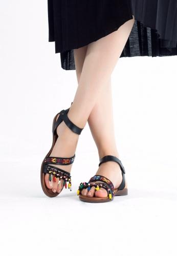 Siyah Boncuk Detaylı Bayan Sandalet Ayakkabı