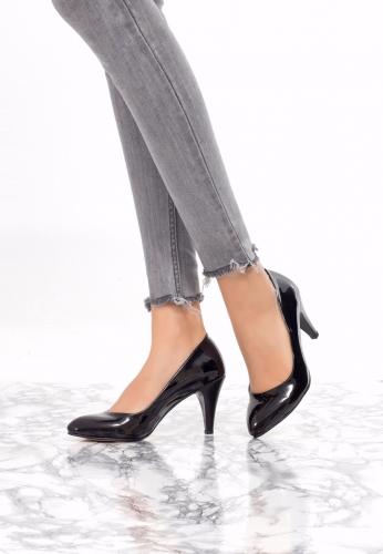 Siyah Rugan Stiletto Modeli
